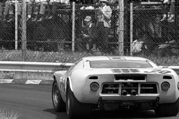 Ford GT「Jacky Ickx, Grand Prix Of Italy」:写真・画像(15)[壁紙.com]