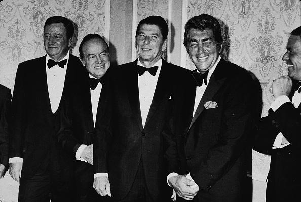 Dean Martin - Singer「'Californians For Reagan' Benefit Dinner」:写真・画像(18)[壁紙.com]
