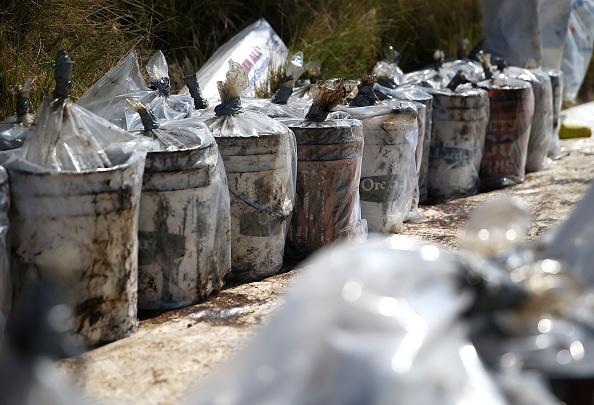 Environmental Cleanup「California Declares State Of Emergency As Oil Spill Harms Pristine Coastline」:写真・画像(7)[壁紙.com]