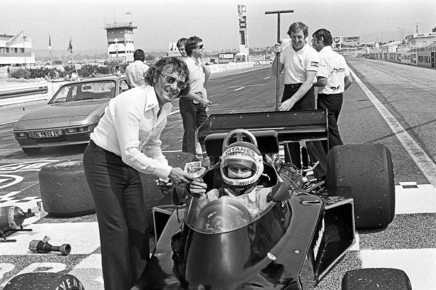 F1レース「Bernie Ecclestone, Jean-Pierre Jarier, Grand Prix Of France」:写真・画像(0)[壁紙.com]