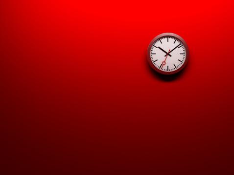 Clock「赤の壁時計」:スマホ壁紙(8)