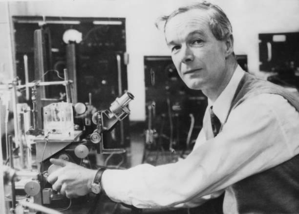 Optical Instrument「Alan Lloyd Hodgkin」:写真・画像(0)[壁紙.com]
