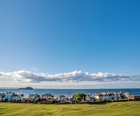 East Lothian「The ancient and picturesque town of North Berwick」:スマホ壁紙(11)