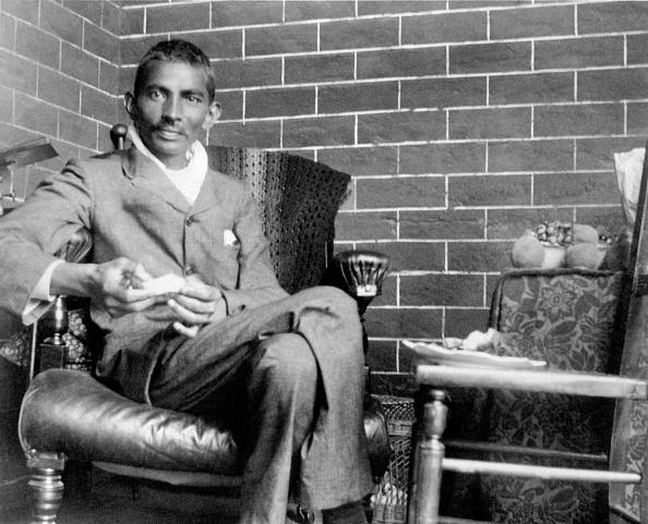 South Africa「Gandhi Convalesces」:写真・画像(10)[壁紙.com]