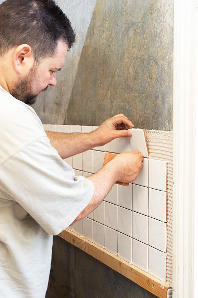 Home Improvement「Tiling in progress」:写真・画像(10)[壁紙.com]
