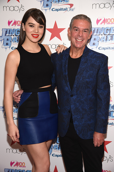 Dimitrios Kambouris「Z100 Jingle Ball Presented By Capital One, Kick Off Event At Macy's Herald Square」:写真・画像(6)[壁紙.com]