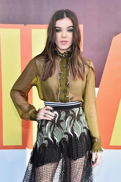 2015「The 2015 MTV Movie Awards - Red Carpet」:写真・画像(15)[壁紙.com]
