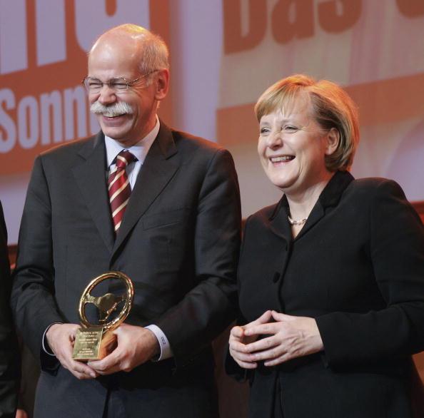 ダイムラーAG「Das Goldene Lenkrad」:写真・画像(2)[壁紙.com]