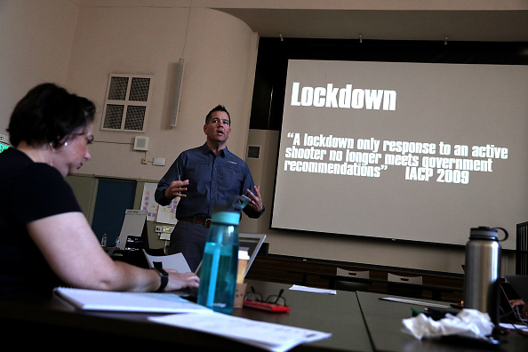 Administrator「Oakland, CA School District Holds Active Shooter Training For Its Staff」:写真・画像(10)[壁紙.com]
