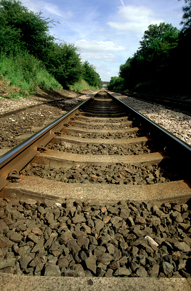 Low「Low level view of tracks on the Midland Main Line in Leicestershire. C1998」:写真・画像(19)[壁紙.com]