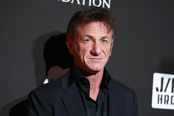 Sean Penn「7th Annual Sean Penn & Friends HAITI RISING Gala Benefiting J/P Haitian Relief Organization - Red Carpet」:写真・画像(2)[壁紙.com]