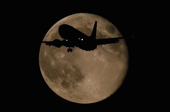 Greenhouse「Air Travel Critcised For Environmental Impact」:写真・画像(9)[壁紙.com]