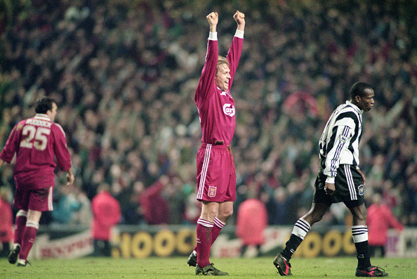 Liverpool - England「Liverpool v Newcastle United Premier League 1996」:写真・画像(17)[壁紙.com]