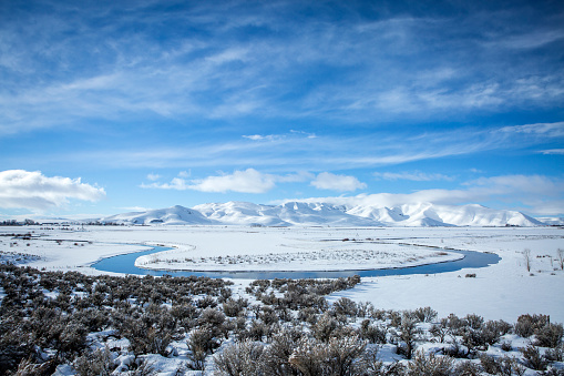 The Nature Conservancy「River in snowy remote landscape」:スマホ壁紙(10)