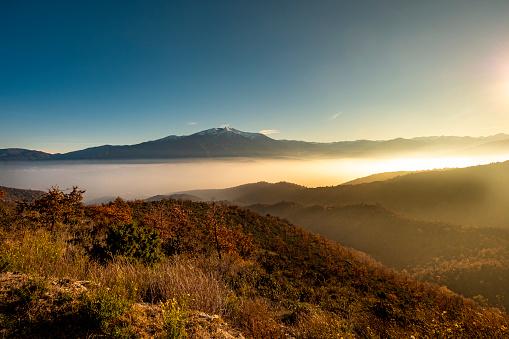 Languedoc-Rousillon「Pyrenees landscape」:スマホ壁紙(4)