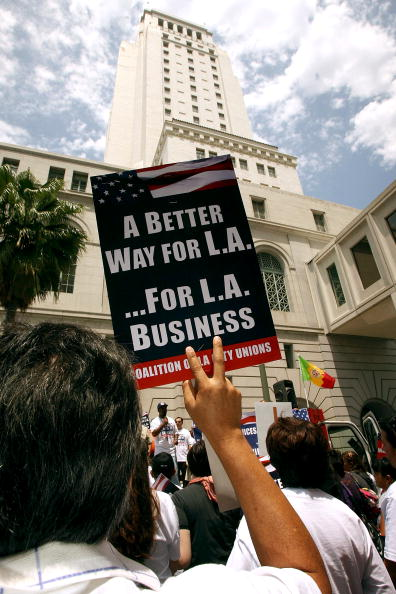 Furlough「L.A. City Workers Rally Against Layoffs And Furloughs」:写真・画像(12)[壁紙.com]