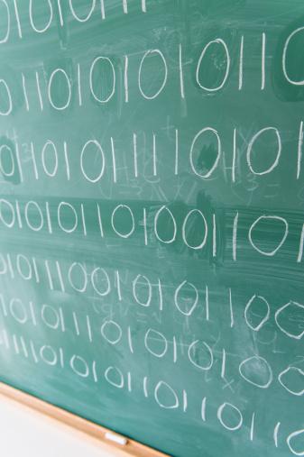 Zero「Binary code on blackboard」:スマホ壁紙(1)