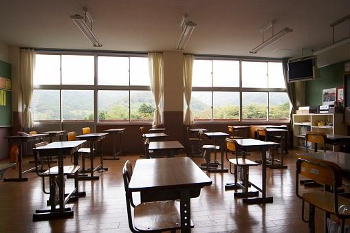 日本「An empty classroom」:スマホ壁紙(4)