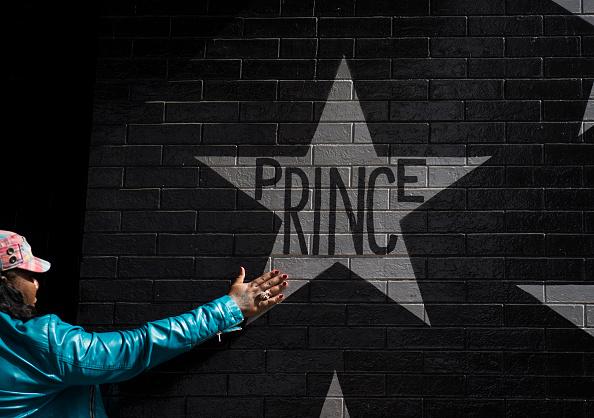 Stephen Maturen「Rock Legend Prince Dies At Age 57」:写真・画像(8)[壁紙.com]