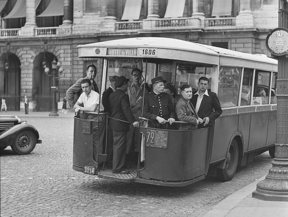 Bus「Bus On Streets Of Paris」:写真・画像(16)[壁紙.com]