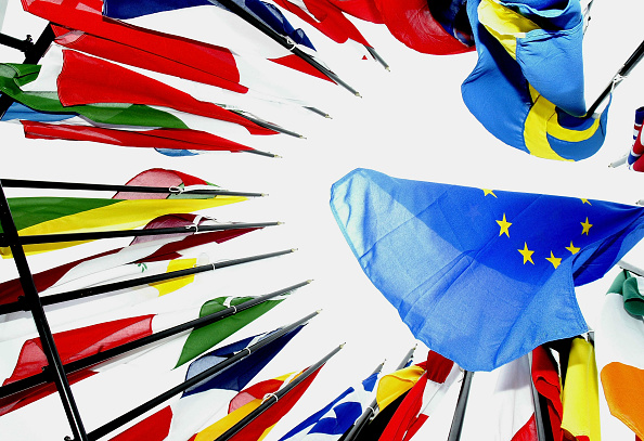 Europe「Security On High Alert Ahead Of EU Enlargement Ceremony」:写真・画像(1)[壁紙.com]