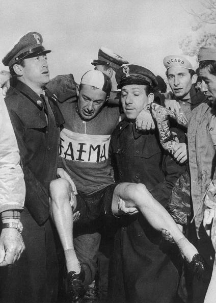 自転車・バイク「Charly Gaul Collapses」:写真・画像(19)[壁紙.com]