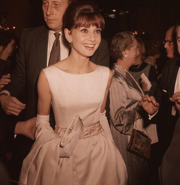 イブニングドレス「Audrey Hepburn」:写真・画像(4)[壁紙.com]