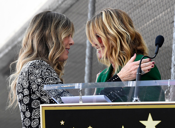 Alternative Pose「Rita Wilson Honored With Star On The Hollywood Walk Of Fame」:写真・画像(16)[壁紙.com]