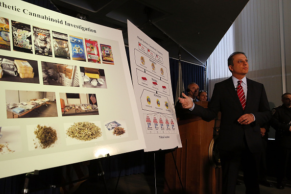 Spice「NYPD Chief Bratton And US Attorney Bharara Announce Charges Against Synthetic Marijuana Manufacturers」:写真・画像(1)[壁紙.com]