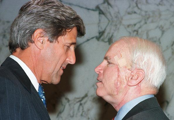 Recovery「Sen. John McCain with a facial scar」:写真・画像(8)[壁紙.com]