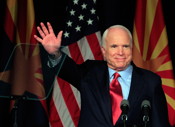 John McCain「John McCain Primary Election Night Party」:写真・画像(3)[壁紙.com]