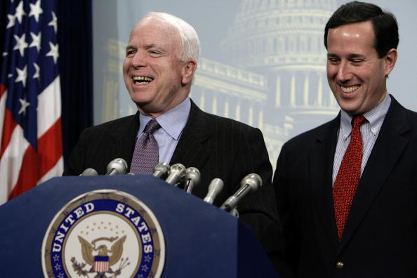 Lobby「Santorum And McCain Discuss Lobbying Reform」:写真・画像(11)[壁紙.com]