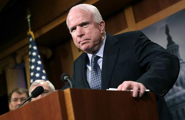 John McCain「John McCain Discusses Arming Ukrainians In Battle With Russian Separatists」:写真・画像(0)[壁紙.com]