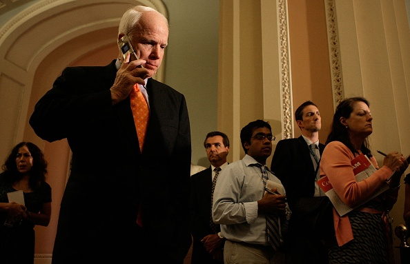 Conference Phone「Senators Attend Weekly Partisan Policy Luncheons」:写真・画像(14)[壁紙.com]