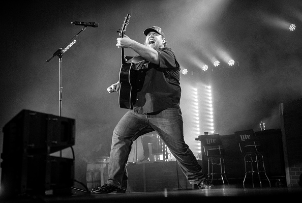 Ryman Auditorium「Luke Combs With Ashley McBryde In Concert」:写真・画像(6)[壁紙.com]