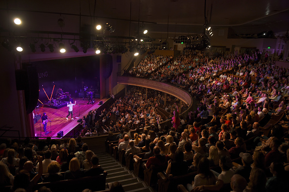 Ryman Auditorium「Brett Young In Concert - Nashville, Tennessee」:写真・画像(0)[壁紙.com]