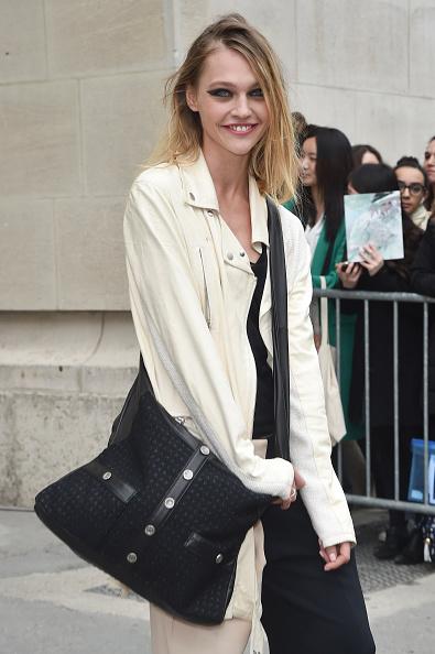 Sasha「Chanel Show - Paris Fashion Week Womenswear Fall/Winter 2015/2016」:写真・画像(1)[壁紙.com]