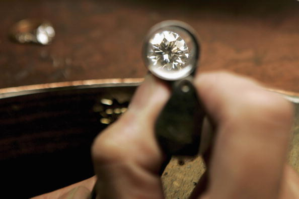 ダイヤモンド「Jewellery Designer Uses Diamonds For Insets」:写真・画像(8)[壁紙.com]