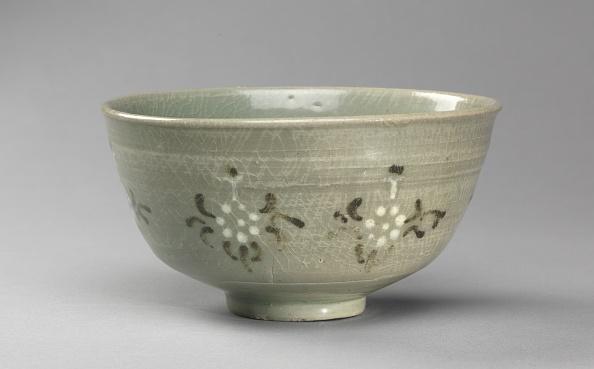 Chrysanthemum「Bowl With Chrysanthemum Design」:写真・画像(12)[壁紙.com]
