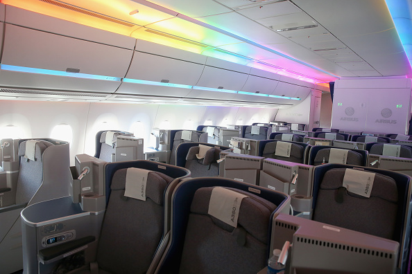 Passenger Cabin「Lufthansa And Airbus Present New A350 Passenger Plane」:写真・画像(11)[壁紙.com]