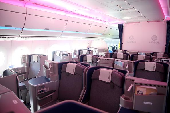 Passenger Cabin「Lufthansa And Airbus Present New A350 Passenger Plane」:写真・画像(8)[壁紙.com]