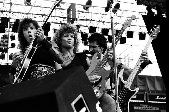 モダンロック「Bon Jovi Perform At Super Rock '84 In Japan」:写真・画像(12)[壁紙.com]