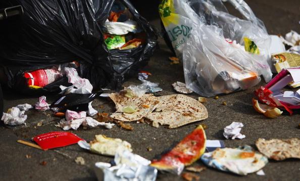 Garbage「Rubbish Begins To Pile Up In Edinburgh Streets As Bin Dispute Continues」:写真・画像(15)[壁紙.com]