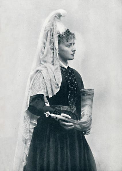 Headdress「A Danish Bride」:写真・画像(6)[壁紙.com]