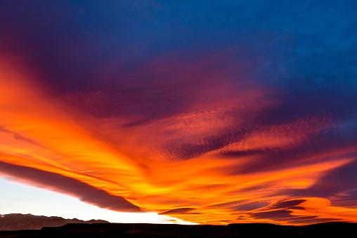 インヨー国有林「Sierra Nevada Wave Cloud」:スマホ壁紙(11)