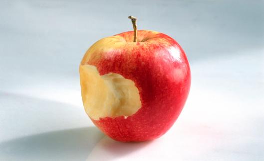 ローヤルガラ「Apple with bite」:スマホ壁紙(7)