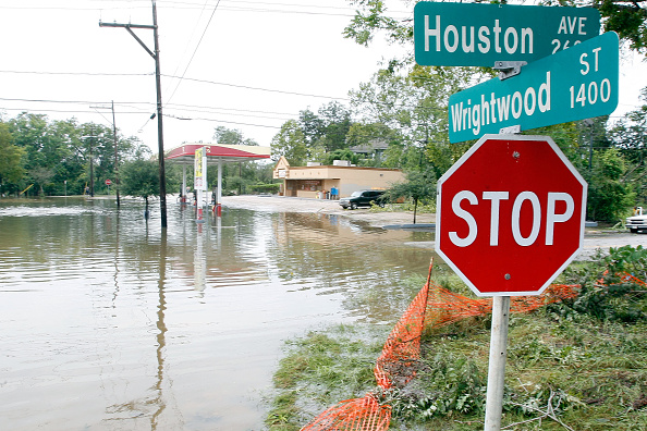 Houston - Texas「Coastal Texas Faces Heavy Damage After Hurricane Ike」:写真・画像(4)[壁紙.com]