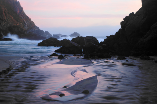 Pfeiffer Beach「Pfeiffer Beach Rocks, Purple Sand and Sunset」:スマホ壁紙(1)