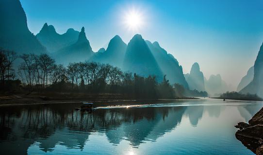 Fog「Lijiang River in Guilin」:スマホ壁紙(6)