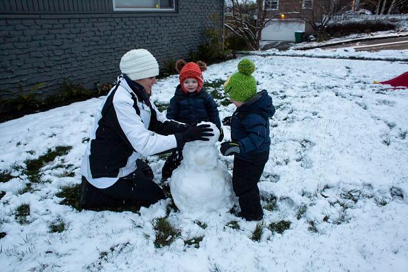 雪だるま「Large Winter Storm Brings Snow To Seattle」:写真・画像(13)[壁紙.com]